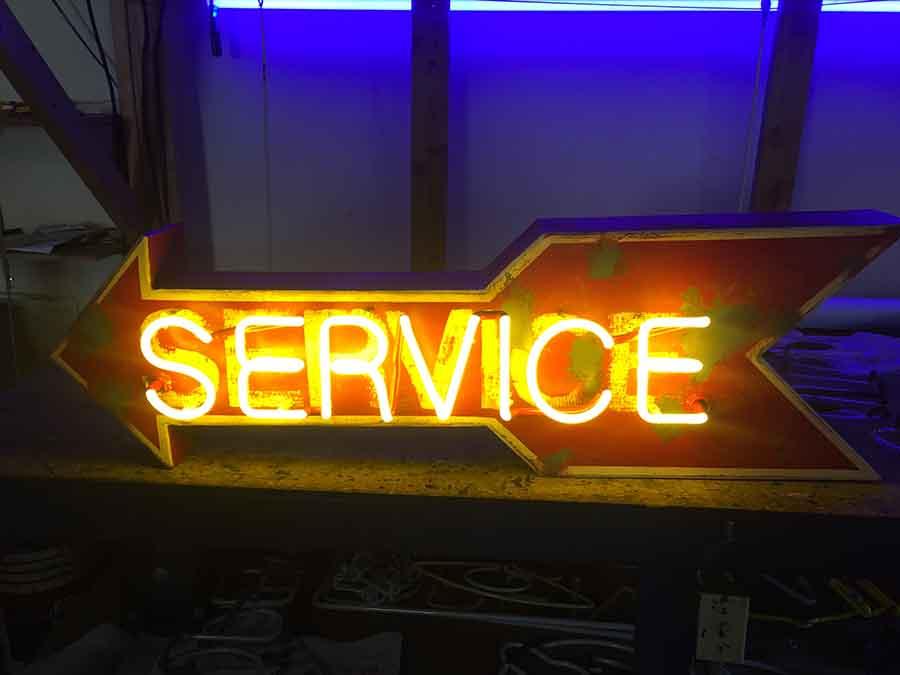 Custom Neon Signs Company Los Angeles   Los Angeles Signs Tech